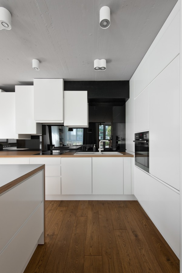 white-kitchen1-600x900