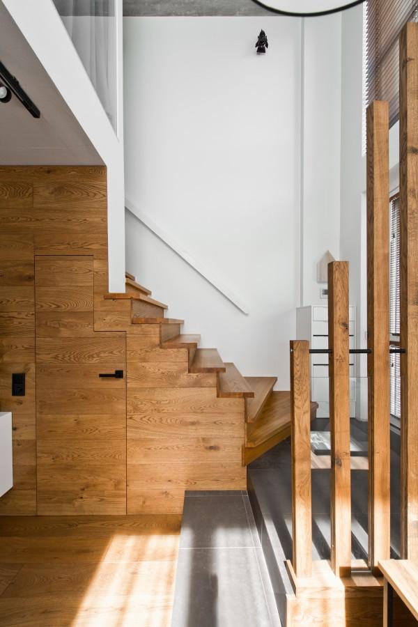 wood-on-wood-600x900