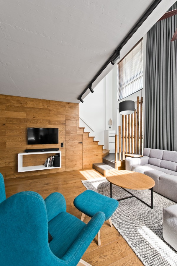 wood-panel-living-room-600x900