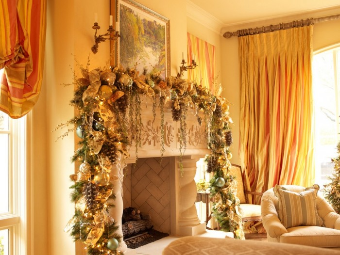 christmas-mantel-decorations-700x526