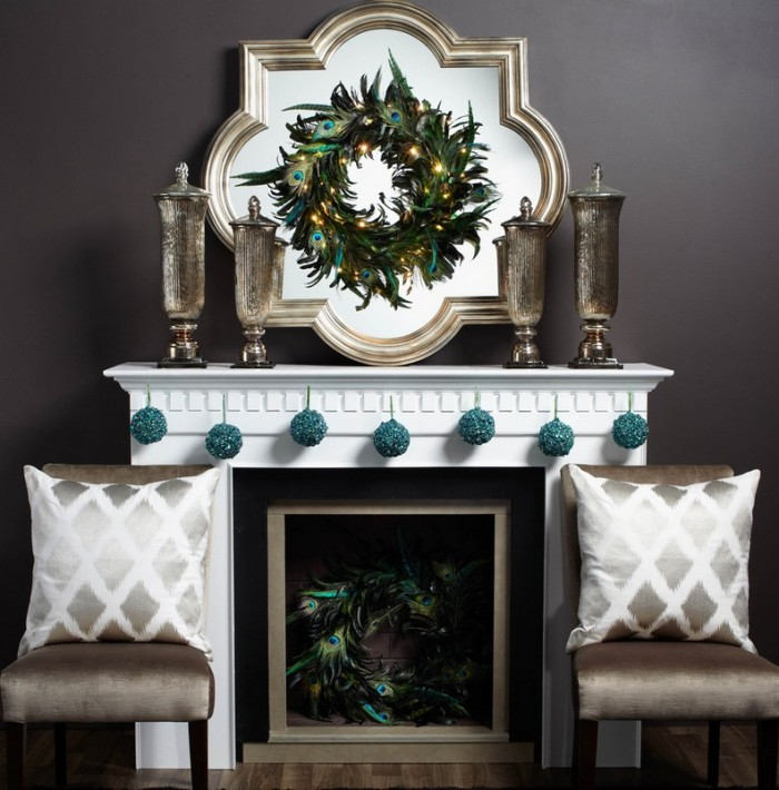 formal-christmas-mantel-decor-700x710