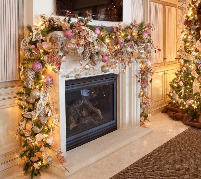 romantic-christmas-mantel-decorations-700x623