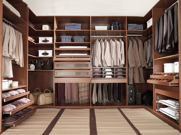 không gian phòng thay đồ đơn giản