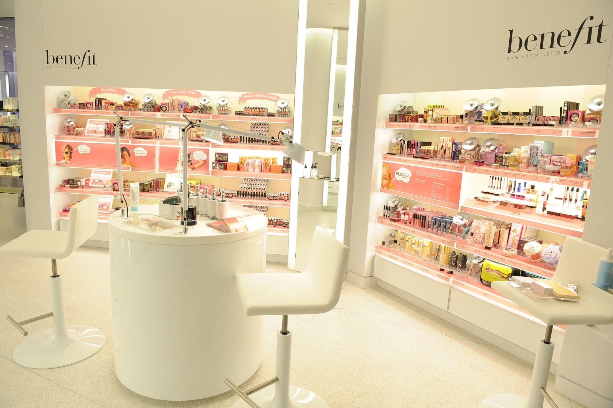 mẫu thiết kế showroom độc đáo