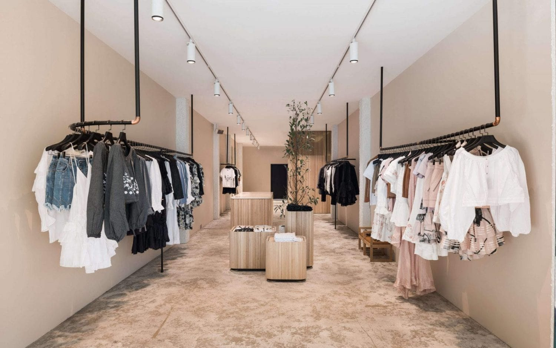 mẫu nội thất shop thời trang thiết kế