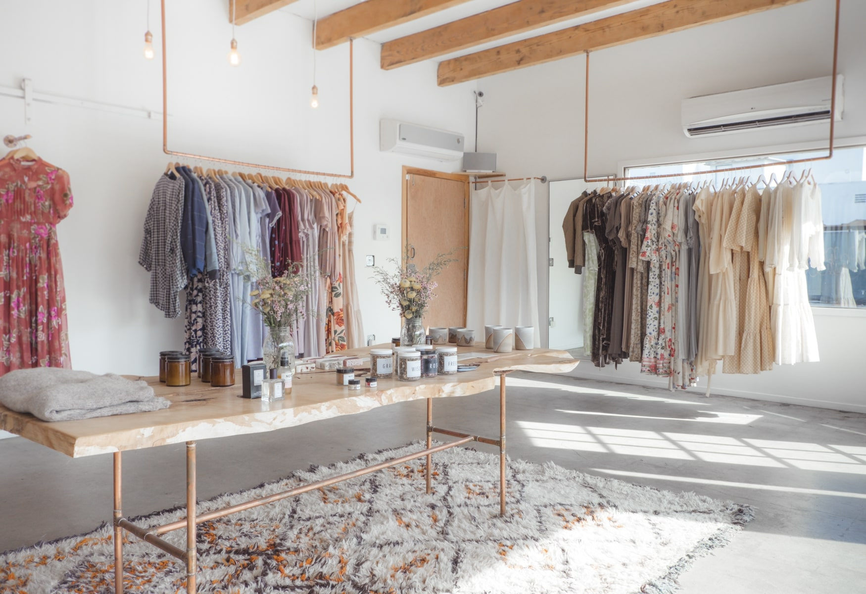 xu hướng thiết kế nội thất shop thời trang 2020