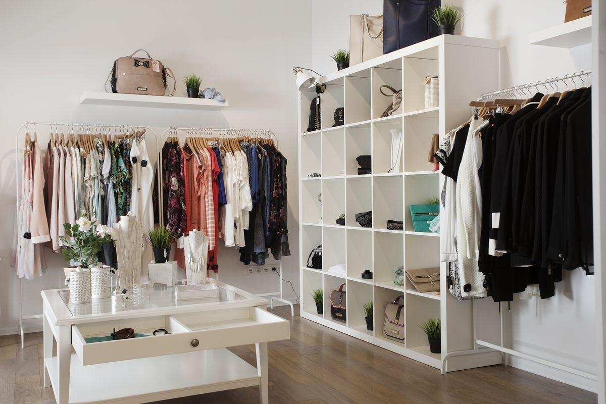 thi công và thiết kế nội thất shop thời trang tphcm