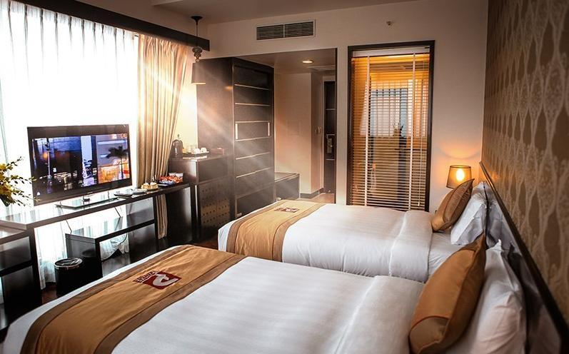 phòng ngủ khách sạn 5 sao hiện đại - Housedesign
